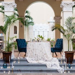 Romantic tropical sweetheart table on Aisle Perfect