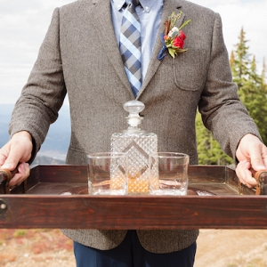 A Whiskey Bar is  Likely to Be Your Groom's Favorite Detail!