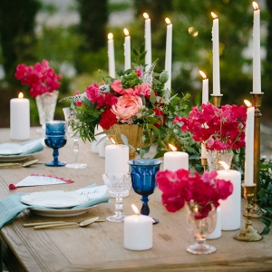 This Romantic Tablescape is Perfect for an Intimate Lakeside Dinner