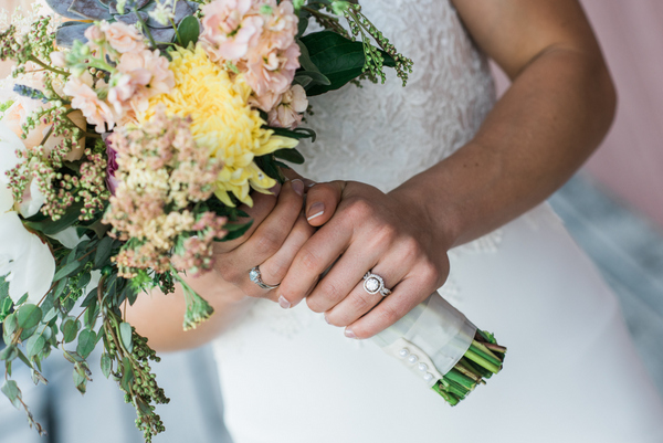 Sunny and Warm Pastel Tones Make This Wedding Perfect Spring Inspiration!