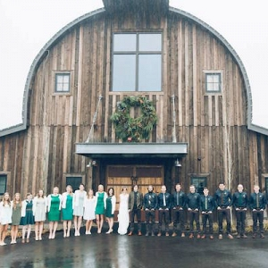 This Woodsy Mansion Wedding is Perfection!