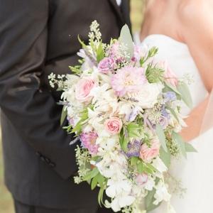 blush bridal bouquet on Belle the Magazine