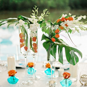 tropical poolside centerpiece on Belle the Magazine