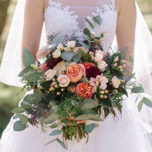 An Organic Bridal Bouquet Recipe in Blush, Peach & Garnet