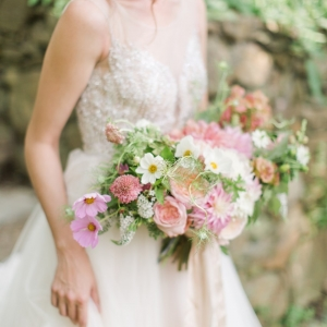 Pretty Just-Picked Summer Bridal Bouquet | As seen on @aislesociety | Photography - Rachel May