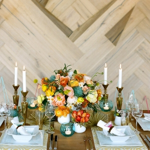 Mid-Century Modern Wedding Tablescape with Floral Centrepiece