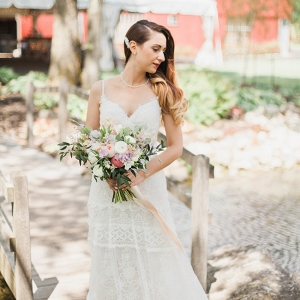 Romantic Rustic Vintage Bride
