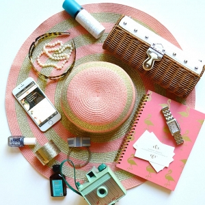 Learn how to pack perfectly for your spring honeymoon getaway!