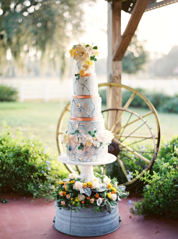 Yellow and pale blue wedding cake