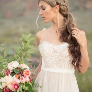 Blush and Marsala bouquet and desert bride