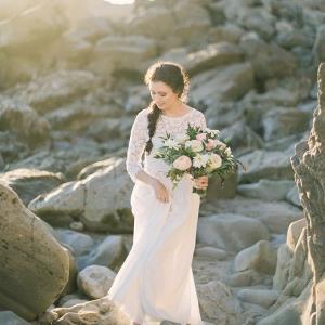 romantic coastal portraits on Glamour & Grace