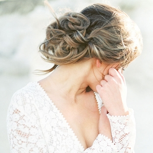 Romantic and Relaxed Wedding Day Hairstyle
