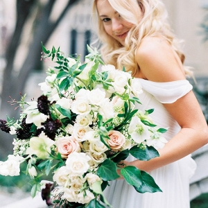 4-bouquets-spring-garden-wedding-sarah-carpenter