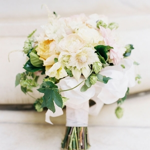 Elegant Floral Bouquet with Fresh Hops
