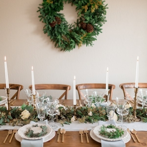 6-winter-chic-intimate-holiday-wedding-cozy-neutrals-1