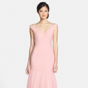 Bridesmaids V-Neck Shirred Tulle Trumpet dress
