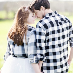 Rustic-Winter-Elopement-plaid