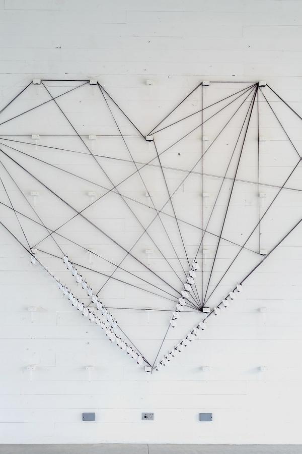 geometric-heart-escort-card-display-jenny-demarco-photography