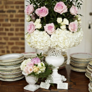 Vintage centerpiece with roses and hydrangeas