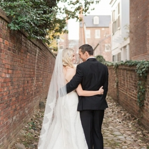 Bride and groom in Old Town Alexandria