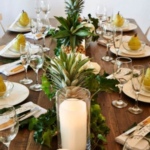A Tropical Inspired Tablescape