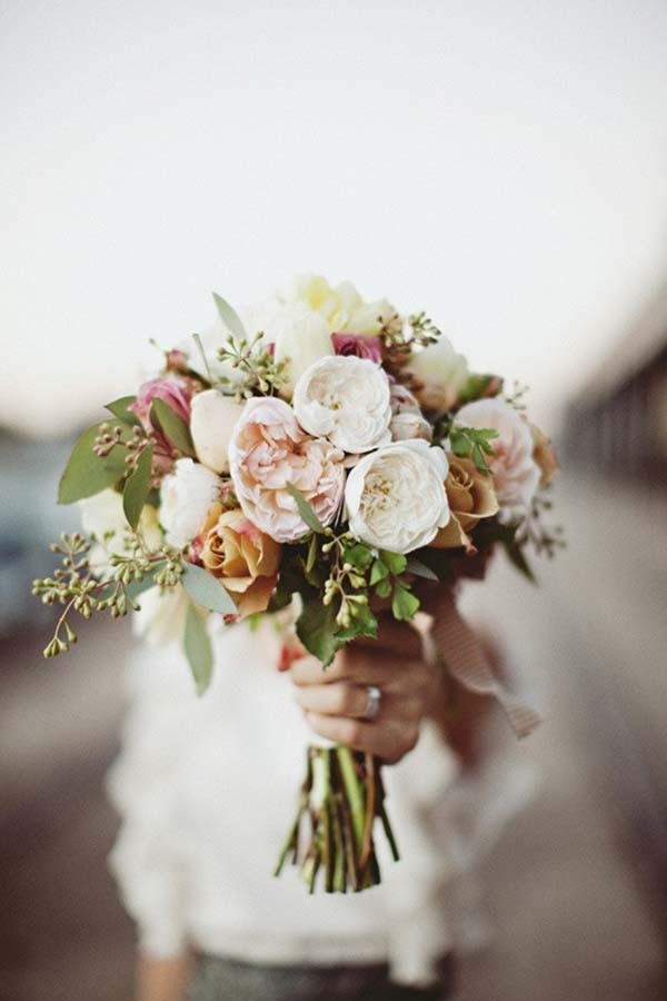 Modern Bouquet With Pink Roses