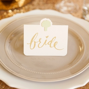 Adorable idea for wedding seating cards with the guests entrée choice!
