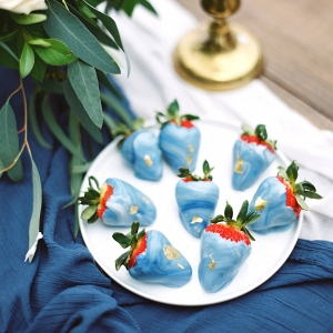 Marbled Chocolate Strawberries