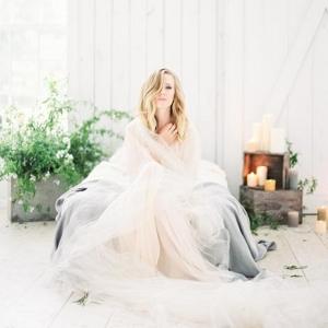 Rustic minimalist boudoir shoot