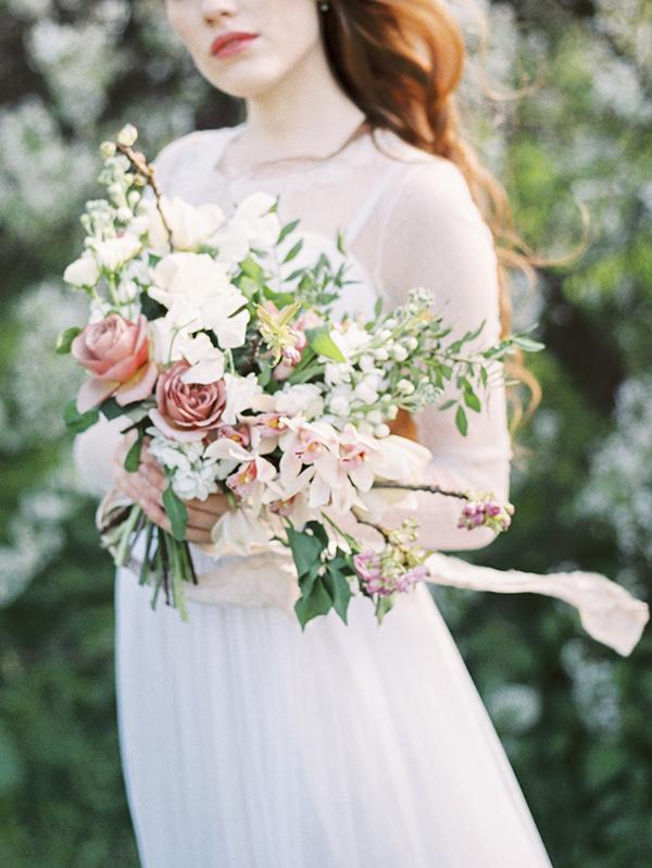 DIY heart-shaped bouquet