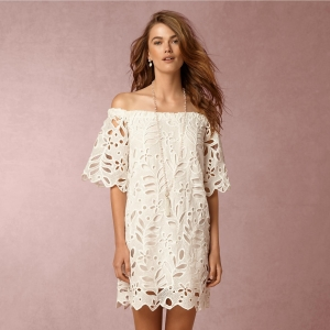 Summer dress with eyelet lace