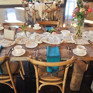 vintage tablescape on The Budget Savvy Bride