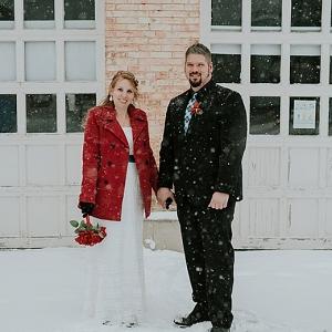 Intimate Winter Wedding on The Budget Savvy Bride