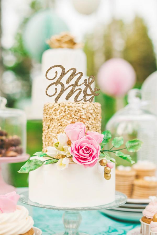 Glitter Cake Topper Mr. & Mrs. Wedding Design