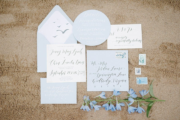 Stationery with calligraphy and seagulls
