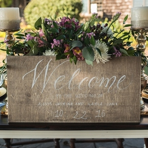 Welcome calligraphy wedding sign