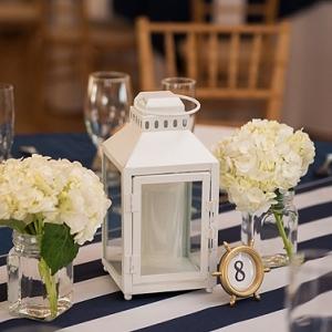 Nautical wedding idea with stripes