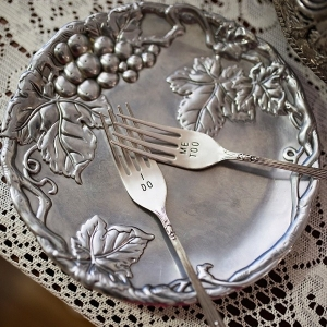 Pretty personalized wedding cake cutting forks