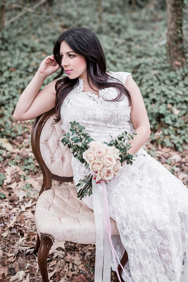 Vintage chic bride on chair