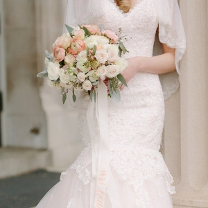 Gorgeous bouquet with DIY calligraphy bouquet ribbon
