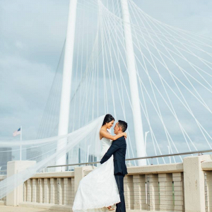 Dallas bridge wedding portrait