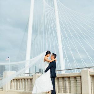 Dallas bridge wedding portrait