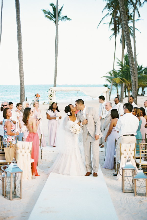 Punta Cana beach ceremony on Aisle Perfect