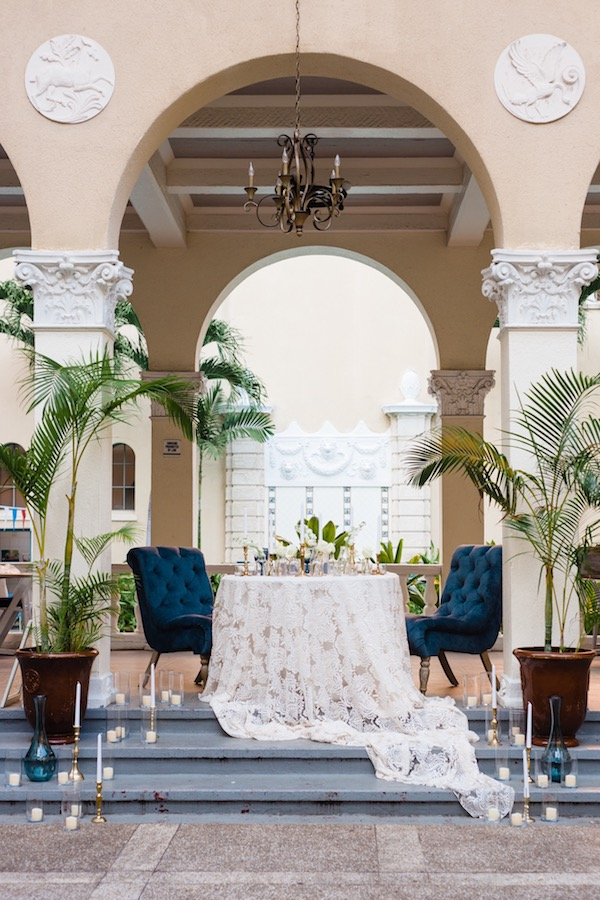 Romantic tropical sweetheart table on Aisle Perfect
