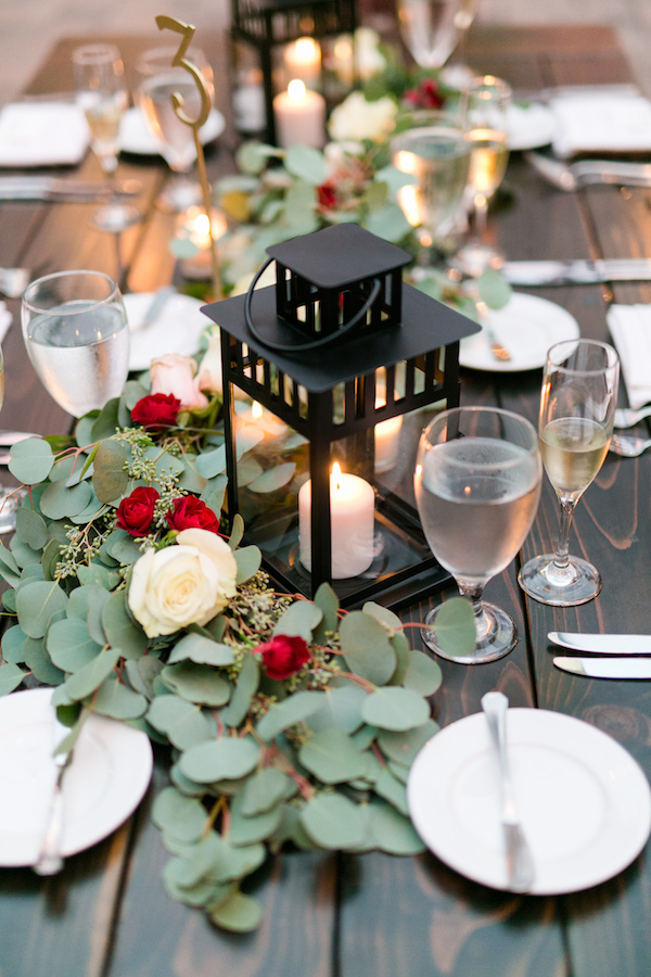 Lantern centerpieces on Aisle Perfect