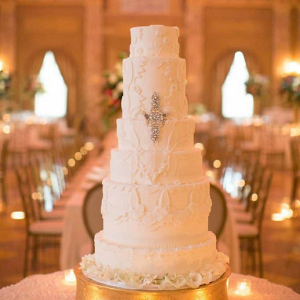 Glam white wedding cake