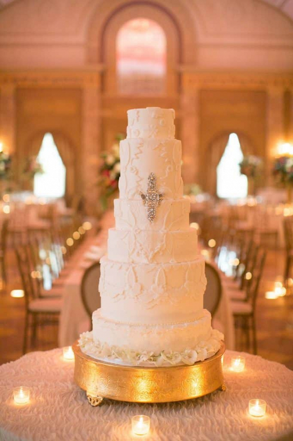 Glam white wedding cake
