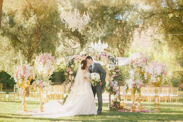 Glam garden ceremony