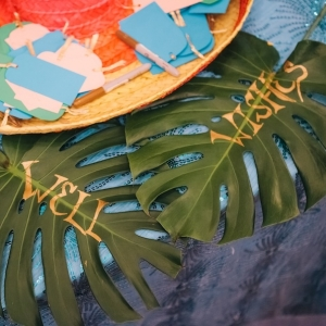Palm Leaves Table Sign