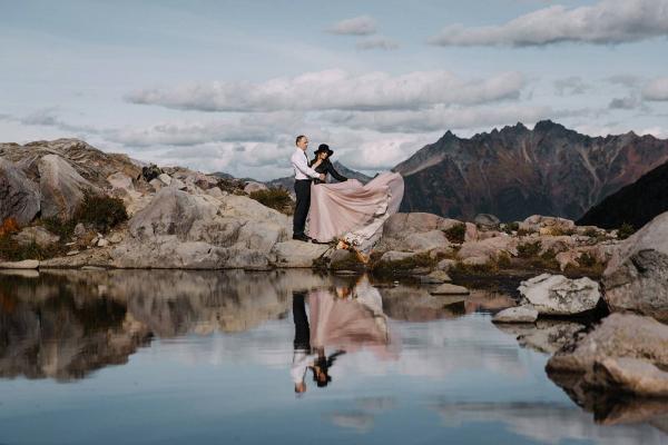 Indie mountain elopement